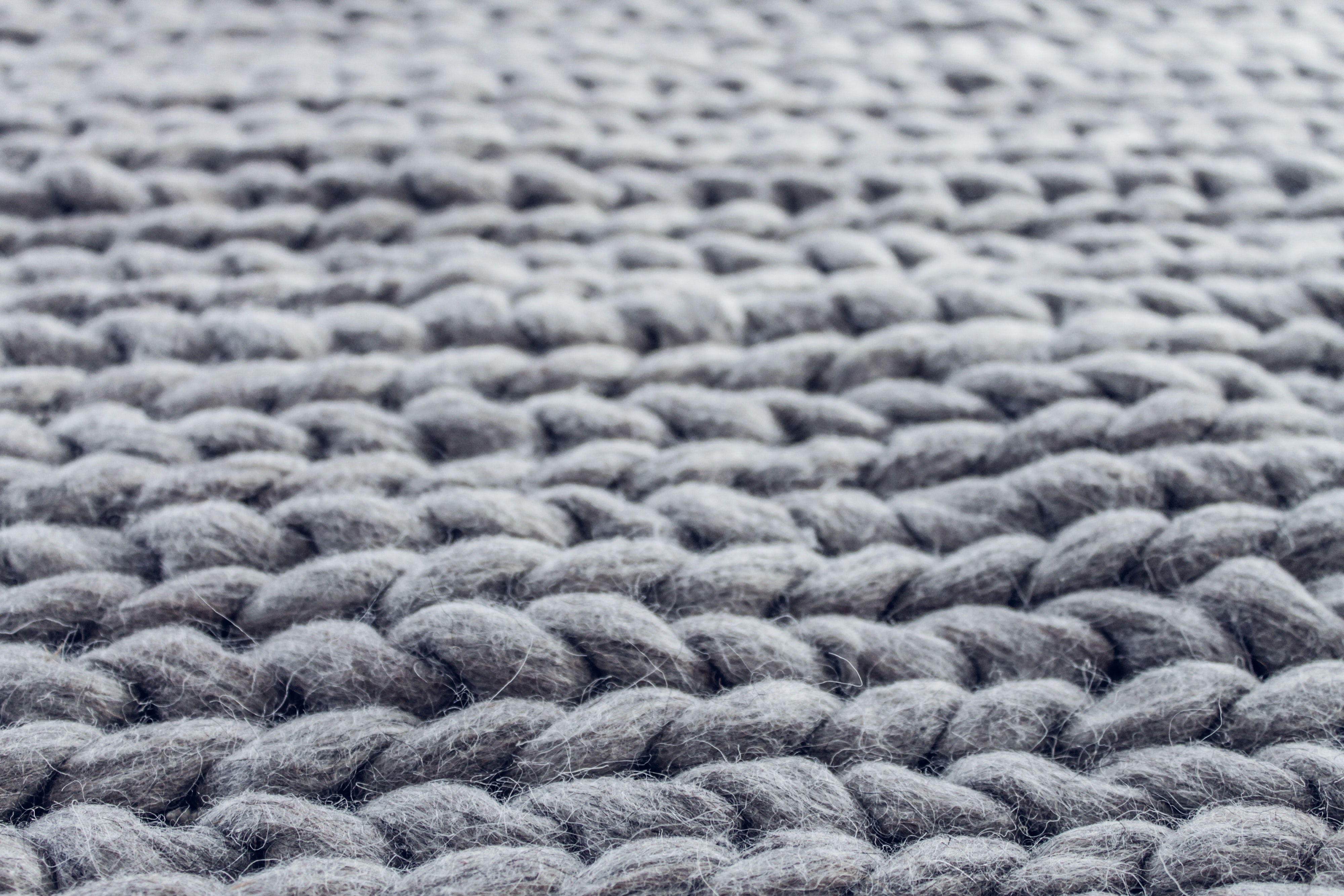 Pros and cons of wool carpet.
